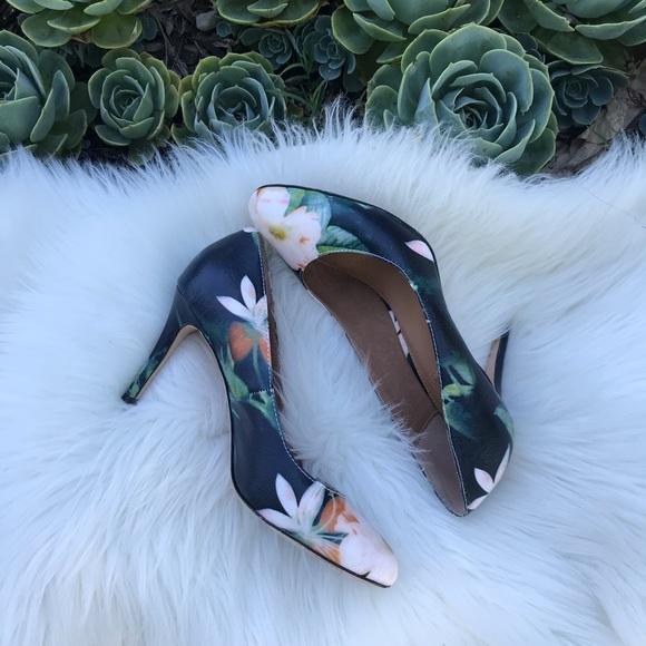 Corso Como Shoes - Corso Como floral pumps